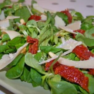 mâche aux tomates séchées