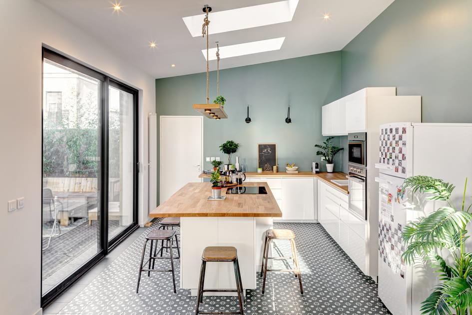 En photos, les plus belles cuisines blanches et bois pour s'inspirer