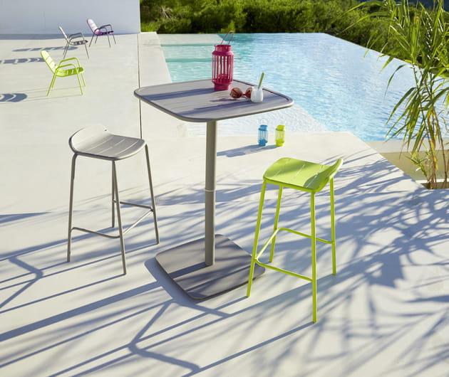 table et chaise bar hyba chez carrefour. Black Bedroom Furniture Sets. Home Design Ideas