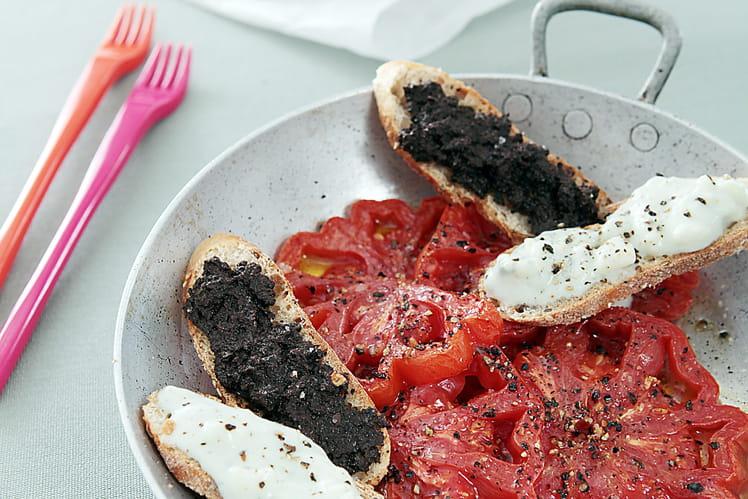 Recette de tomates coeur de boeuf tapenade et cr me de - Cuisiner le coeur de boeuf ...