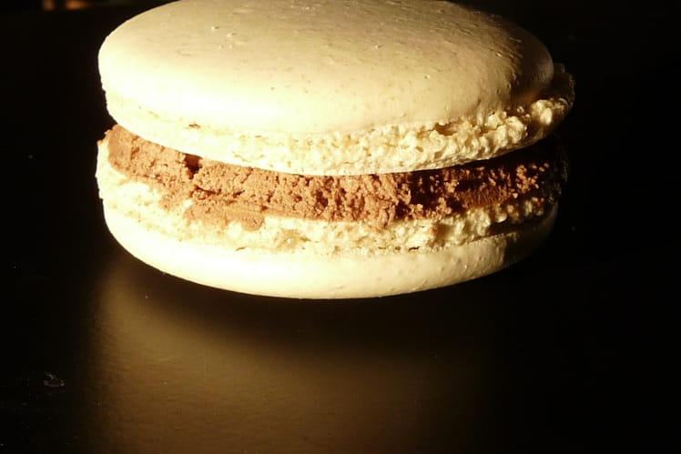 Macarons noisette-chocolat