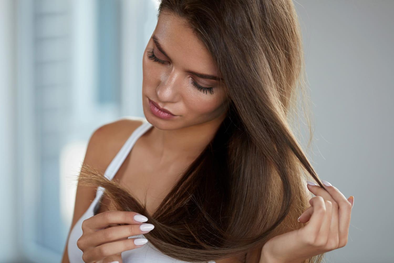 Comment discipliner ses cheveux en 10astuces