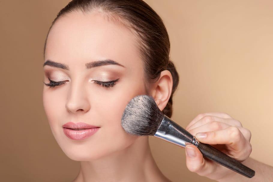 5gestes pour faire tenir son maquillage