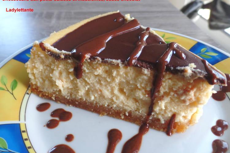 Cheesecake aux petits-suisses et madeleines, sauce chocolat