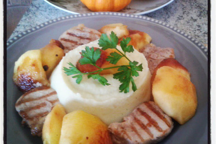 Filet mignon au genièvre, pommes poêlées et purée de pomme de terre céleri