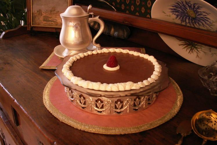 Mousse au chocolat au coulis de framboises