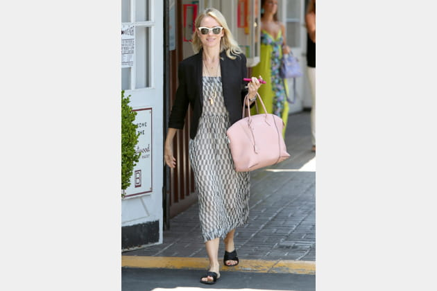 "Naomi Watts et son ""Lockit"" de Louis Vuitton"