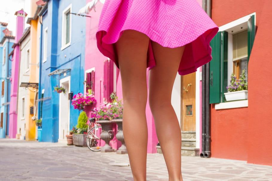 Comment porter la minijupe et le micro-short sans vulgarité?