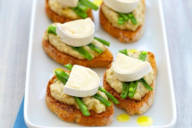 Bruschetta de caviar d'aubergines et haricots vert
