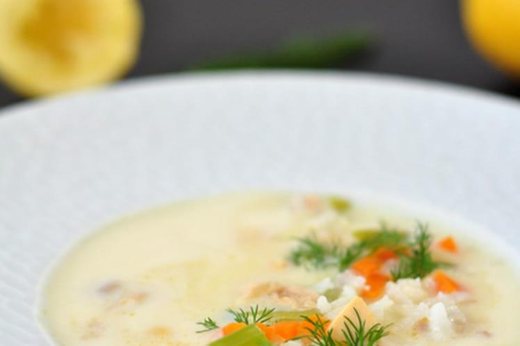 Soupe grecque à l'avgolemono (poulet et citron)