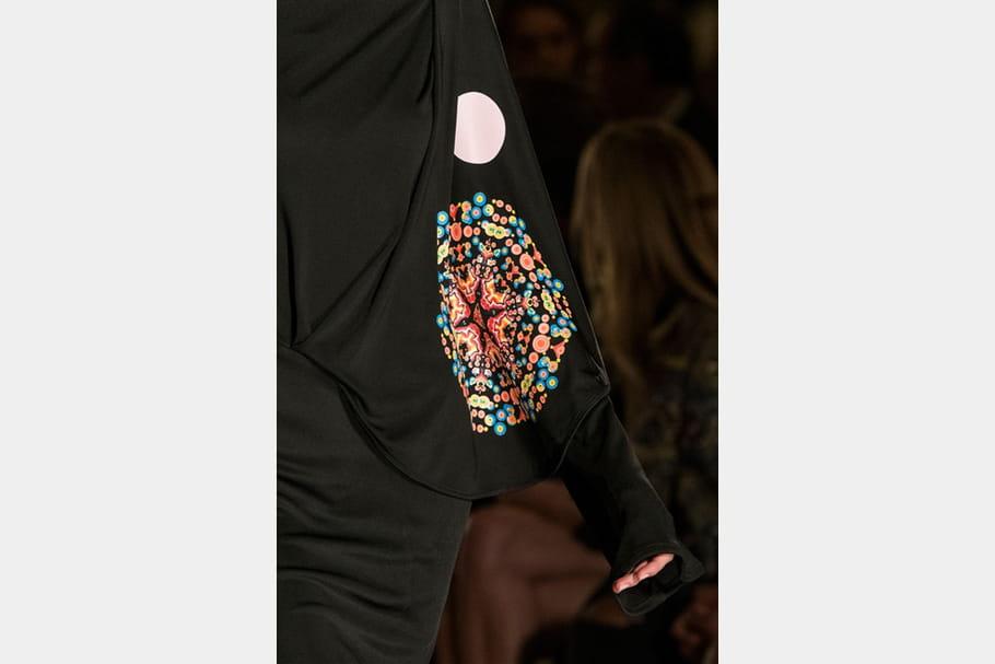 Givenchy (Close Up) - photo 49