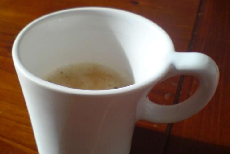 Cappuccino de fèves au piment d'Espelette