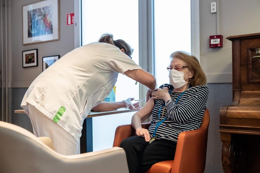 Ehpad et Covid: sorties à nouveau autorisées grâce au vaccin