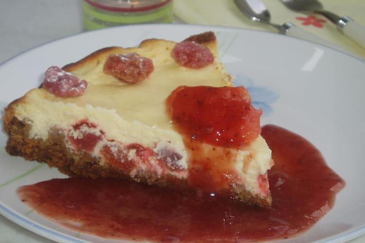 Cheesecake aux pomelos-éclats et coulis de fraise
