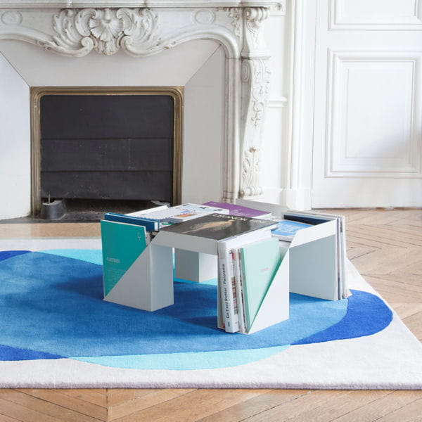 table basse pour les magazines. Black Bedroom Furniture Sets. Home Design Ideas