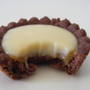 tartelettes chocolat blanc-caramel à la fève tonka