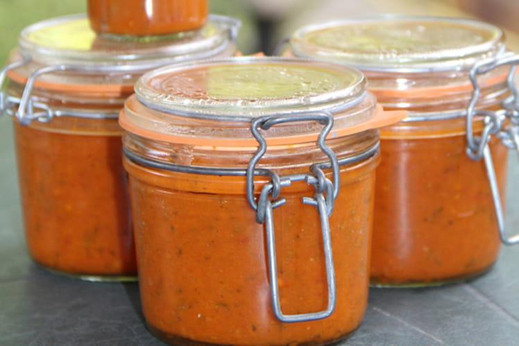 Sauce aux tomates fraîches, gingembre et herbes aromatiques