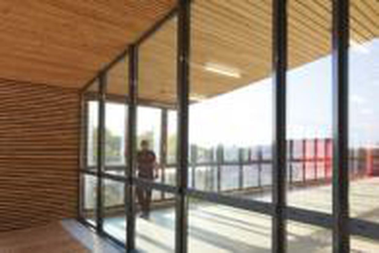 Comment Fixer Une Tringle A Rideau Sans Percer poser des rideaux sur une baie coulissante sans percer