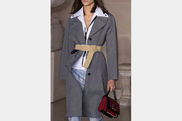 Louis Vuitton (Close Up) - photo 31