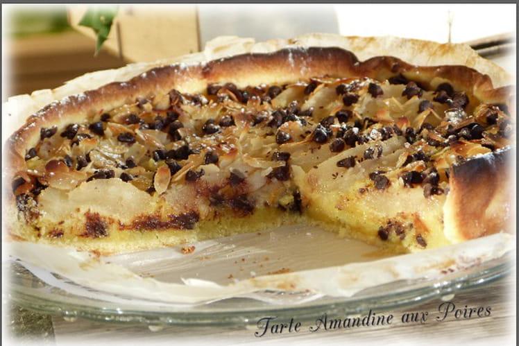 Tarte Amandine aux poires, pépites de chocolat et amandes