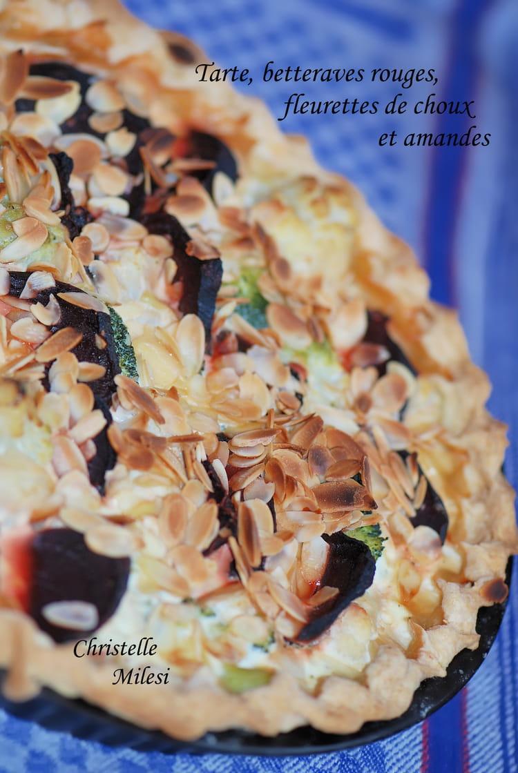 Recette de tarte betteraves rouges fleurettes de choux et amandes - Cuisiner des betteraves rouges ...