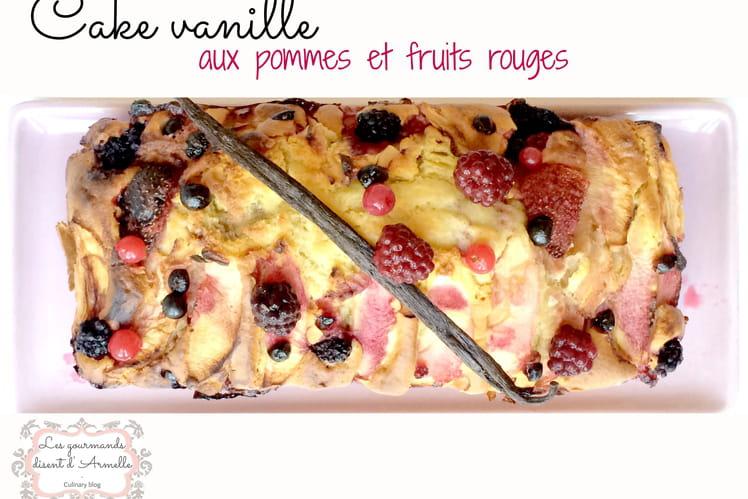 Cake vanille aux pommes et fruits rouges