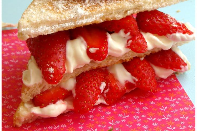 Sandwiches grillés aux fraises