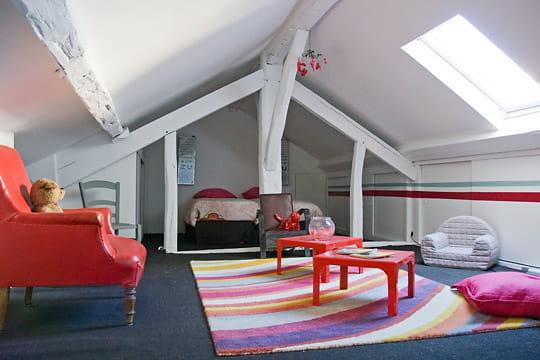 Une chambre d'enfant sous les toits