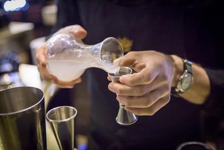 """Recette du cocktail """"Maille Fleur de Lys"""" : étape 3"""