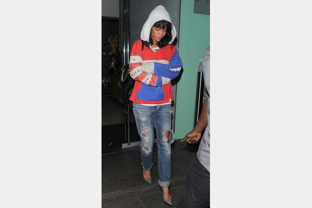 Rihanna et son jean boyfriend destroy