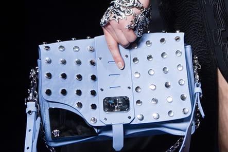 Versace (Close Up) - photo 63