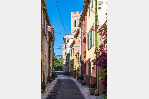 Le charme brut du centre historique d'Argelès