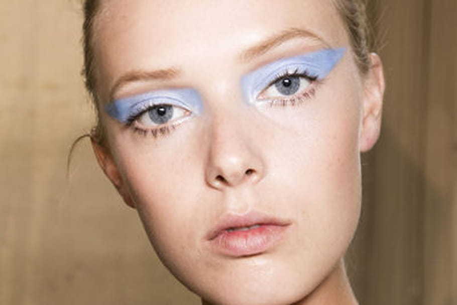 Le maquillage sophistiqué et affirmé du défilé Atelier Versace