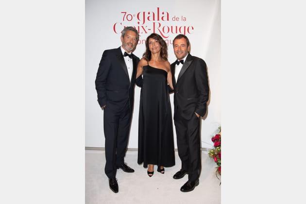 Michel et Nathalie Cymes, au côté de Bernard Montiel