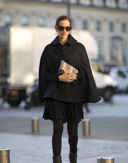 Street style à Paris : la cape chic