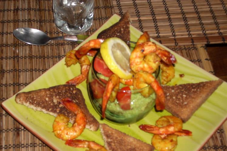 Salade de crevettes au curry et guacamole