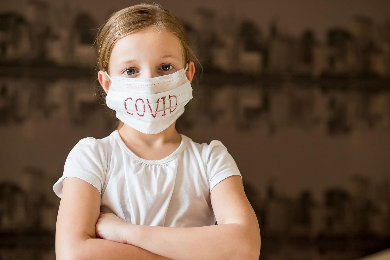 Port du masque chez l'enfant: indications, dangers, effets indésirables