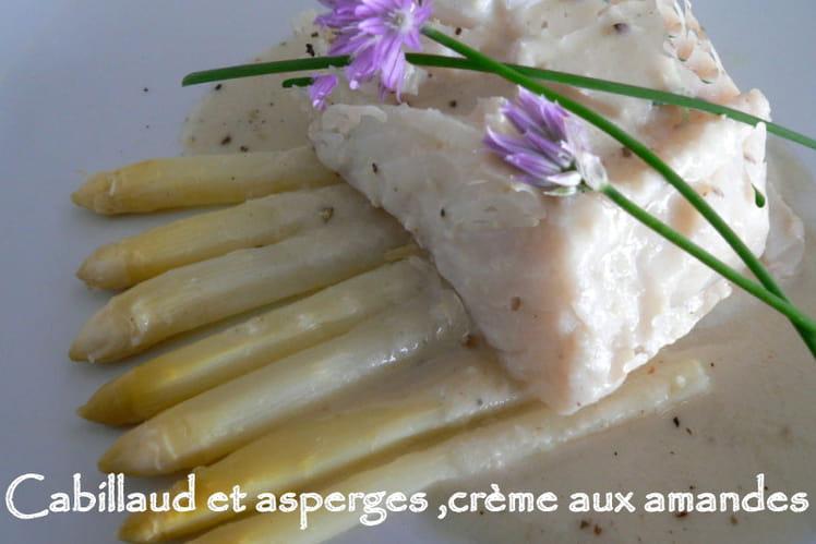 Cabillaud et asperges, crème aux amandes
