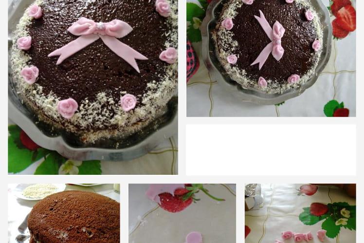 Gâteau d'anniversaire moelleux au chocolat