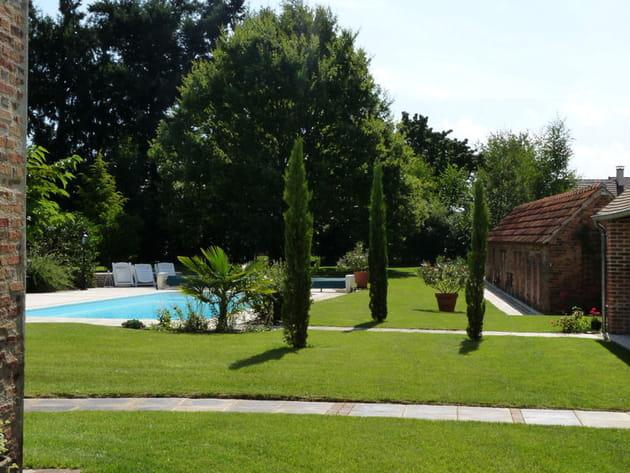 Aménagement d\'un jardin avec piscine