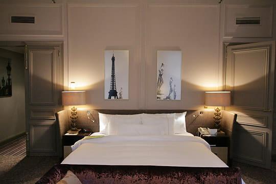 le heavenly bed. Black Bedroom Furniture Sets. Home Design Ideas