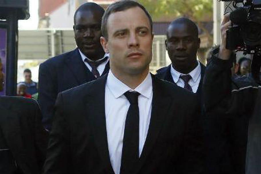 Oscar Pistorius craque sur Twitter en plein procès