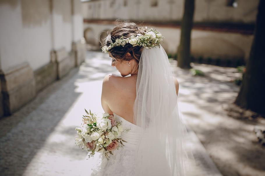 Quelle couronne de fleurs pour un mariage bohème?