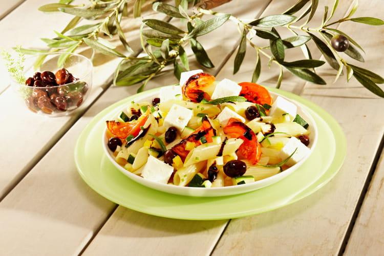 Salade de pâtes grecque au fromage de brebis