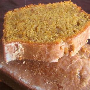 cake ultra fondant à la courge, au citron et aux épices douces, glaçage acidulé