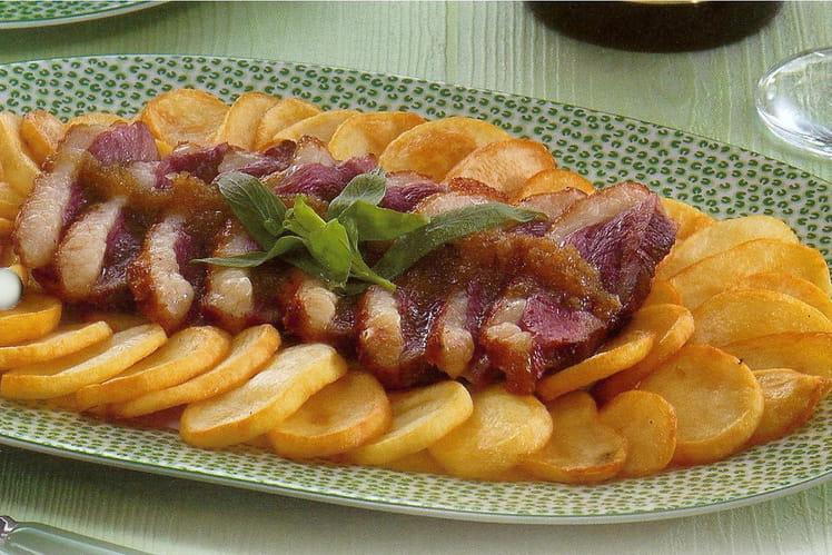 Recette de magret de canard sauce au miel la recette facile - Cuisiner magret de canard a la poele ...