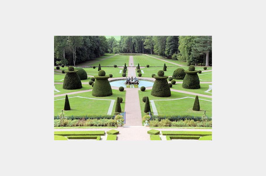 Parterres du parc du ch teau de dr e 10 jardins dans l for Parterres paysagers