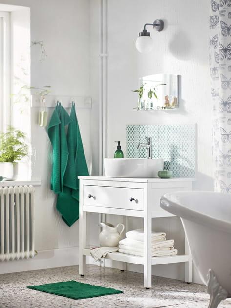 Une salle de bains avec du caractère
