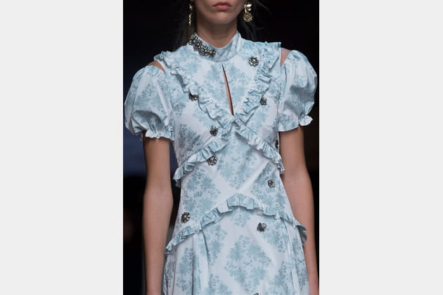 Erdem (Close Up) - photo 26