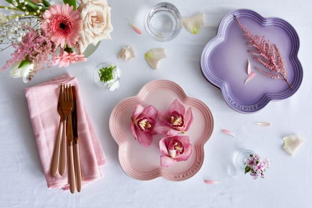 Les assiettes creuses fleur de Le Creuset